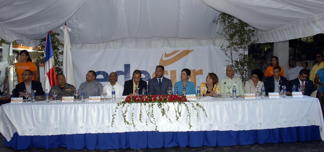 , EDESUR y CDEEE inician trabajos del Programa de Rehabilitación de Redes Eléctricas en San Cristóbal.