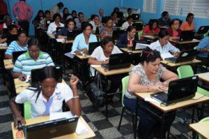 , Ministerio de Educación anuncia inicia concurso de Oposición docente 2016