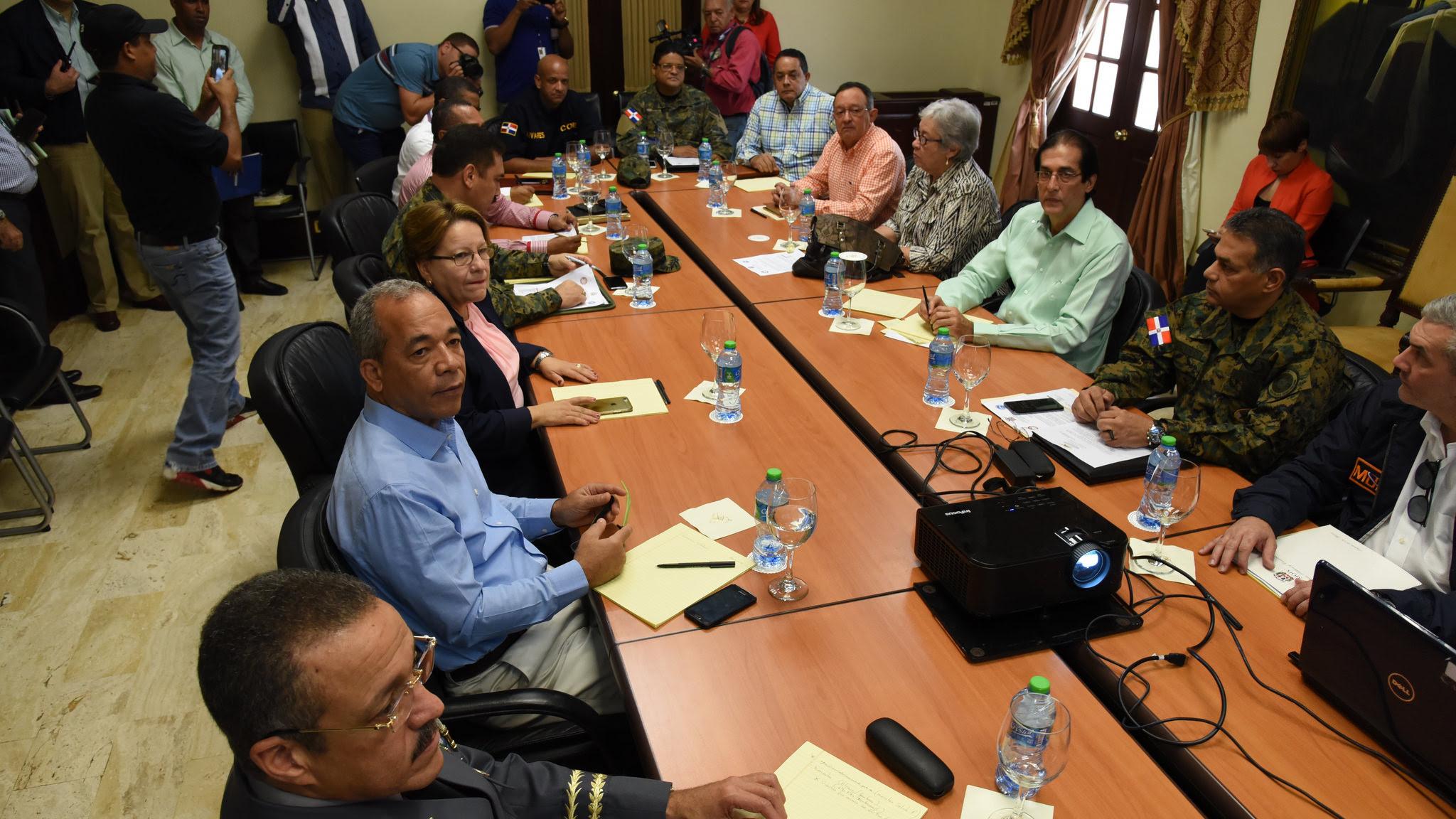 , Gobierno suspende docencia en 24 provincias ante impacto huracán Matthew.
