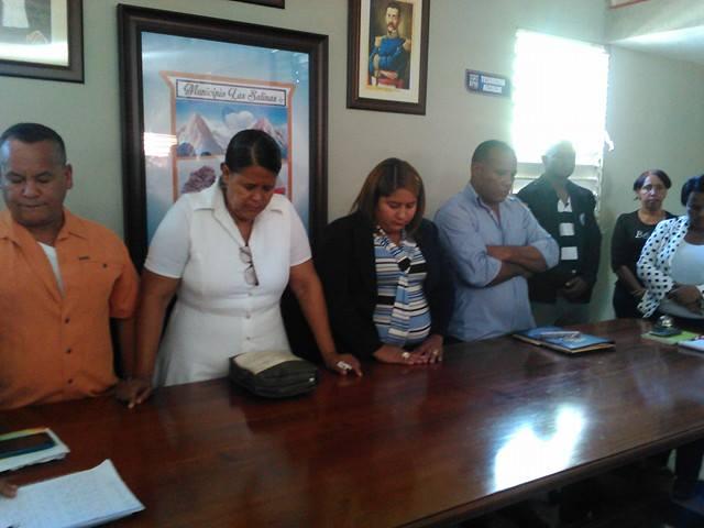 , En La Salinas posesionan vicealcaldesa tras fallecimiento de alcalde