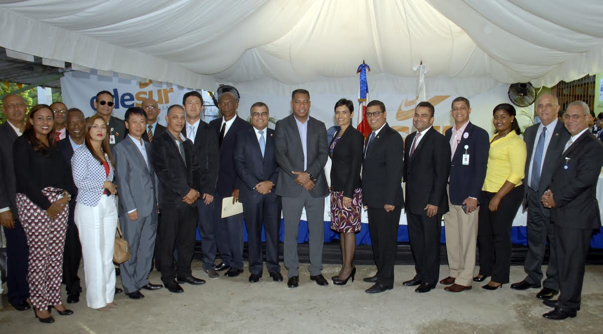 Edesur, EDESUR y CDEEE inician trabajos del Programa de Rehabilitación de Redes Eléctricas en Haina, en beneficio de más de 88 mil personas.