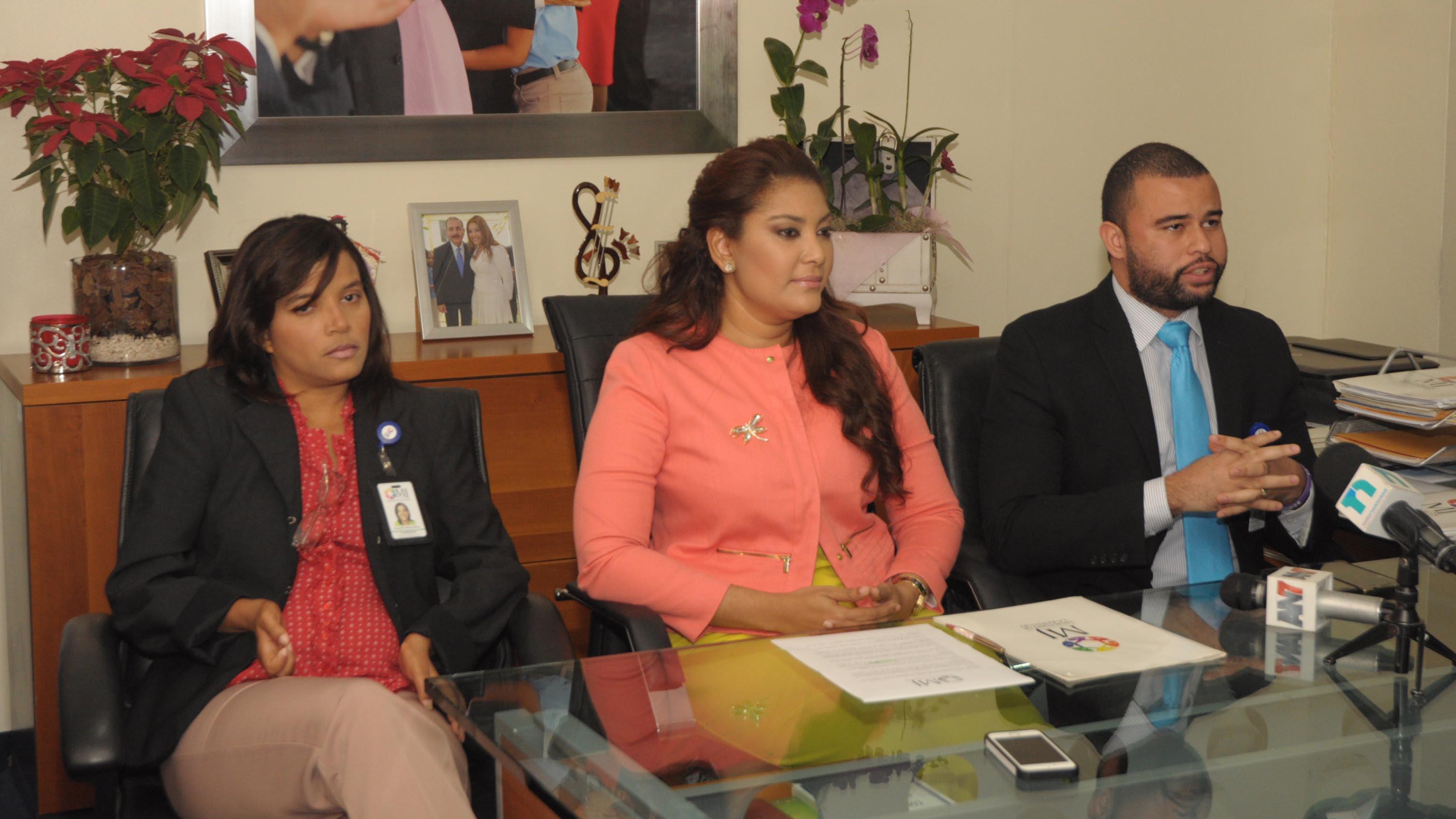 , Ministerio de la Juventud beneficiará a 300 jóvenes con programa de becas