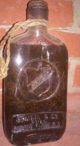 , MI RINCÓN CULTURAL: Una botella para curar el padrejón