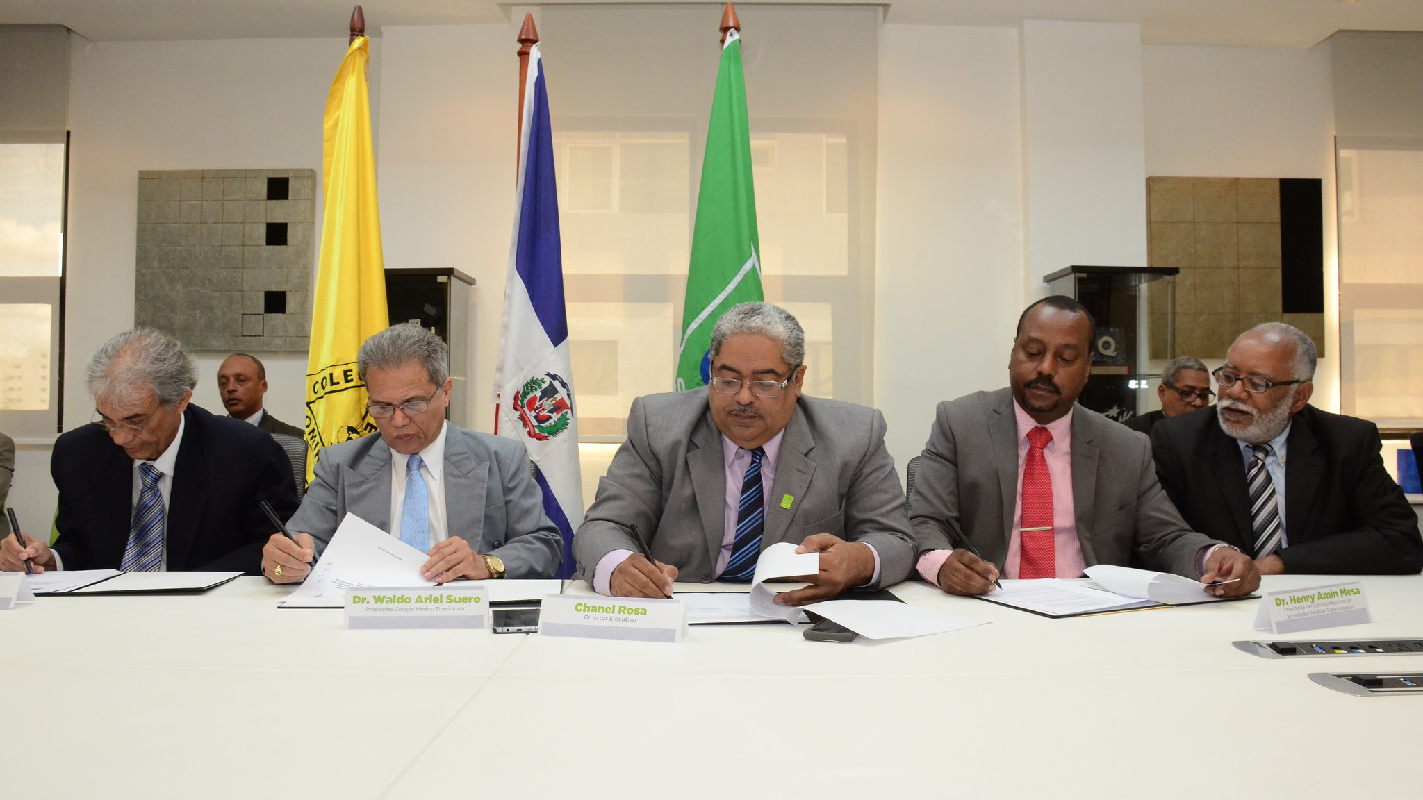 , SeNaSa logra acuerdo para beneficiar a los afiliados al Régimen Contributivo