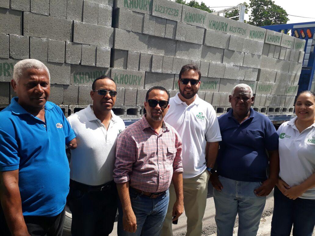 , Khoury Industrial aporta materiales para terminación de Funeraria Municipal de Cabral