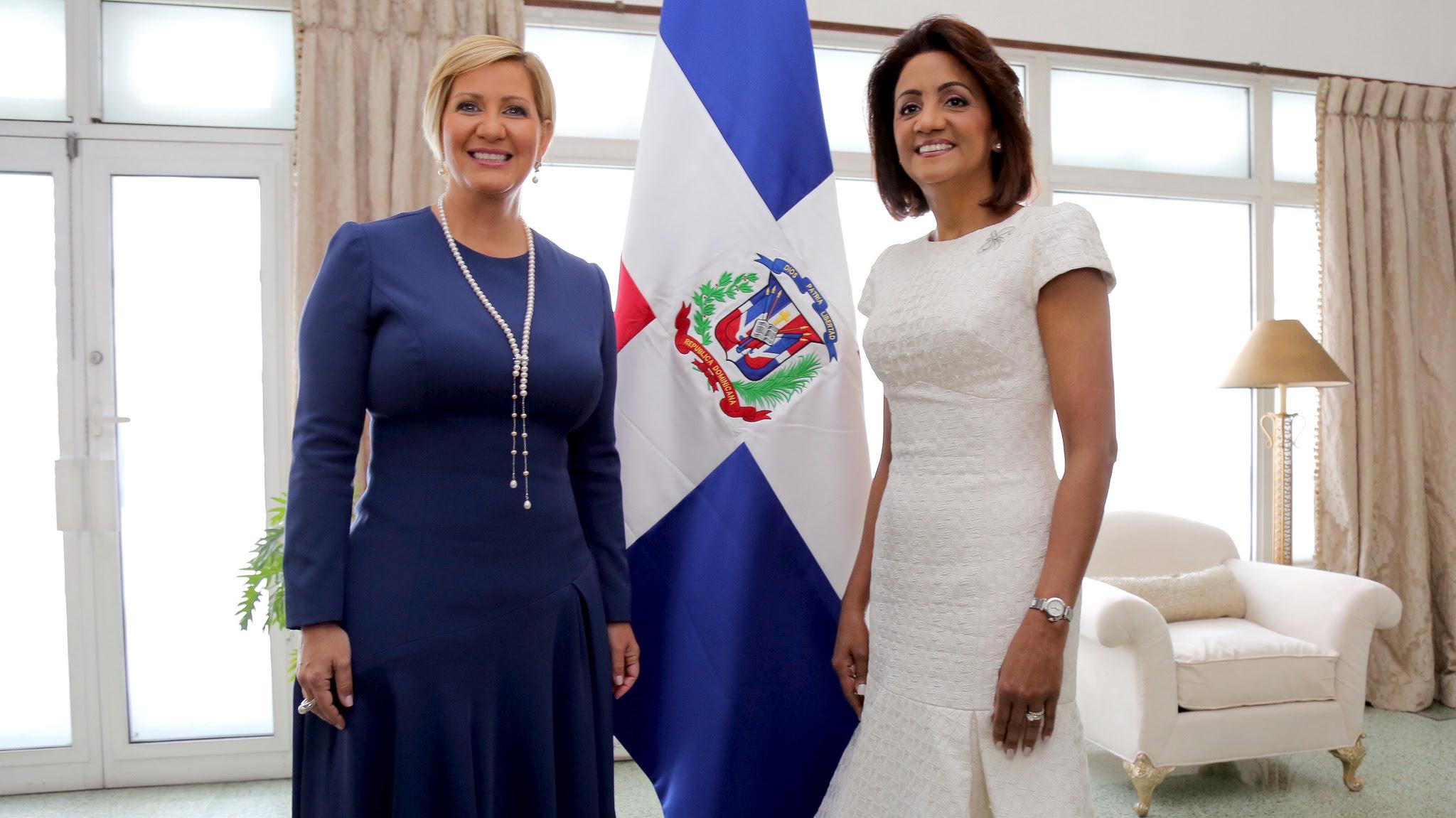 , Por obras, Cándida Montilla de Medina inspira a primera dama y al presidente de Panamá
