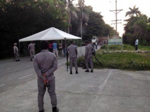 , Moradores de Duvergé protestan en demanda construcción nuevo hospital.