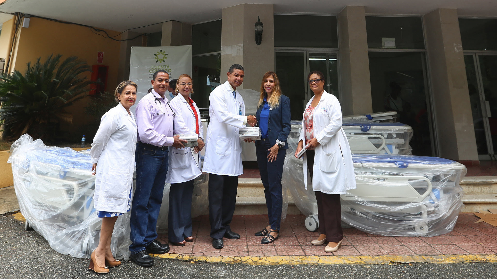 , DPD dona equipos al Hospital Materno Infantil Santo Socorro del ensanche La Fe