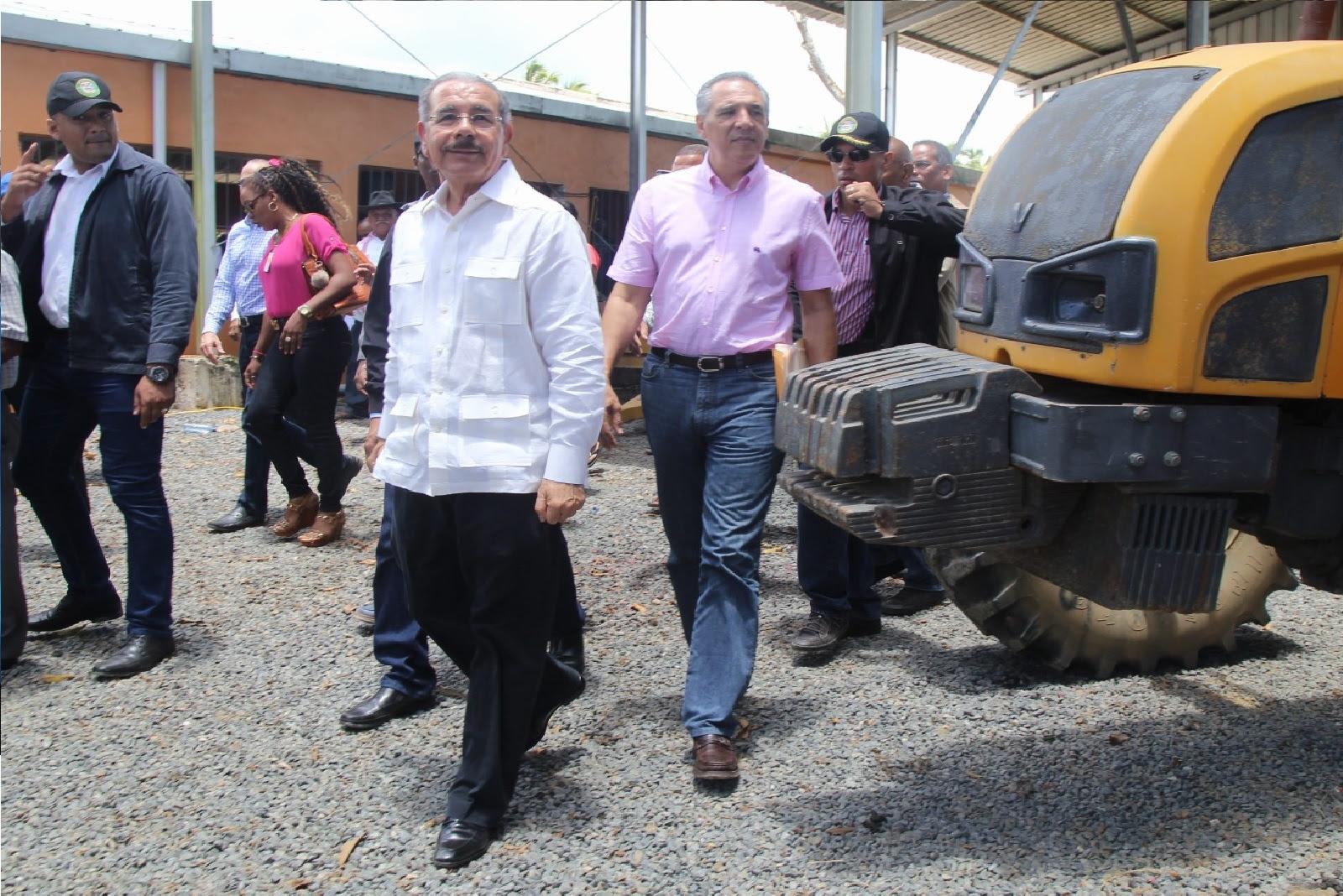 , Danilo apoya a pescadores Sabana de la Mar y da seguimiento a logros arroceros de Miches