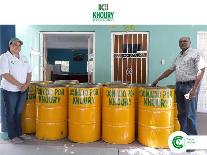 , Khoury Industrial Aporta Tanques para Parques y Plazoletas de Cabral