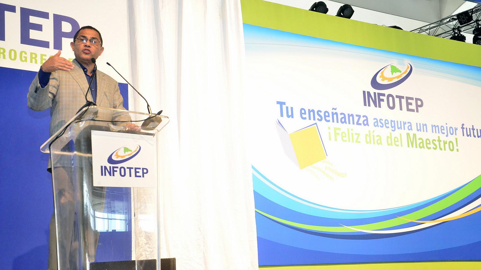 , INFOTEP aumentará salarios a docentes y facilitará su capacitación