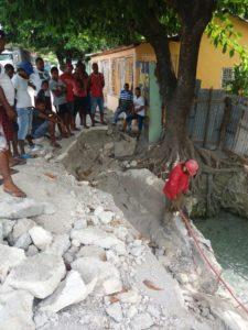, Alcaldía de Cabral ejecuta trabajos en río Fiquimbo