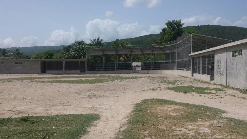 , Hace más de cuatro años esperan terminación de Pley en Cabral.