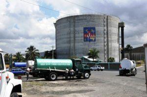 Reportaje escasez de agua potable en Los Alcarrizos Santo Domingo Norte República Dominicana. 13 de junio de 2014. Foto Pedro Sosa