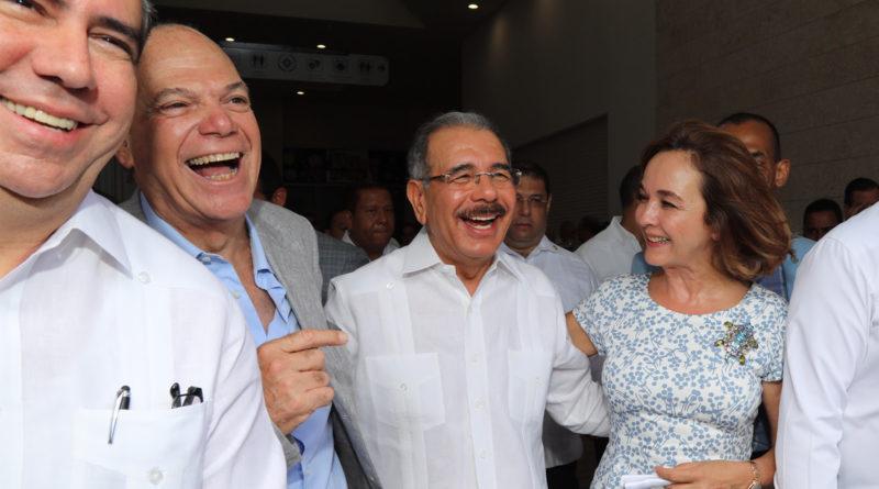 Danilo Medina asiste a inauguración BlueMall Puntacana; se generan 3,500 empleos