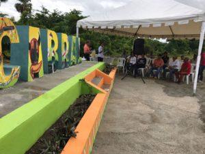 , Jóvenes profesionales donan vistoso parador fotográfico a Cabral