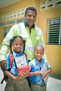, CEMEX aporta útiles escolares a estudiantes en diferentes puntos del país