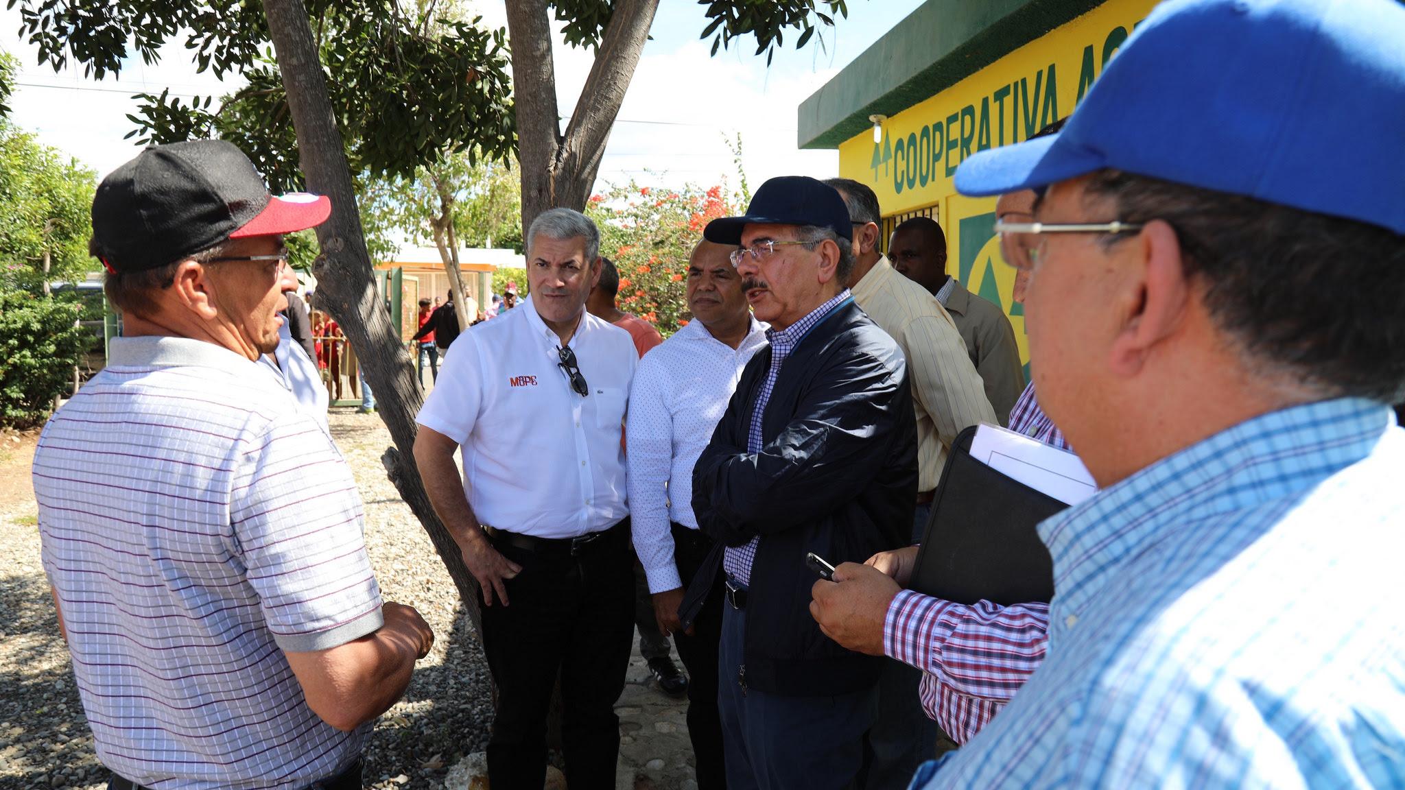 , Diálogo franco con autoridades y comunitarios: Danilo da seguimiento a proyecto en Villa Fundación
