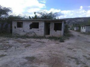 , En La Salinas piden autoridades construir y reparar Obras para el desarrollo de la comunicad