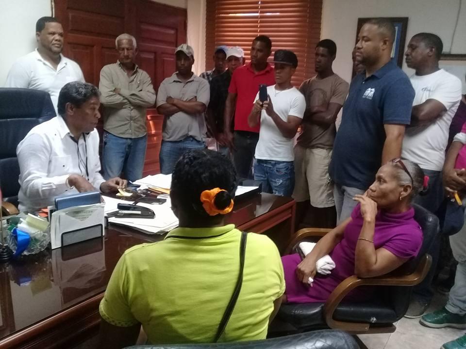 , Residentes del Barrio Casandra demandan construcción de Calles y Escuela