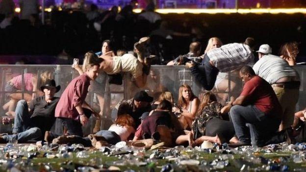 , Tiroteo en un concierto en Las Vegas deja al menos 50 muertos y unos 200 heridos