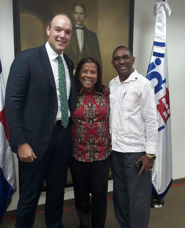 , Presidente de Indotel se compromete con la UASD Barahona
