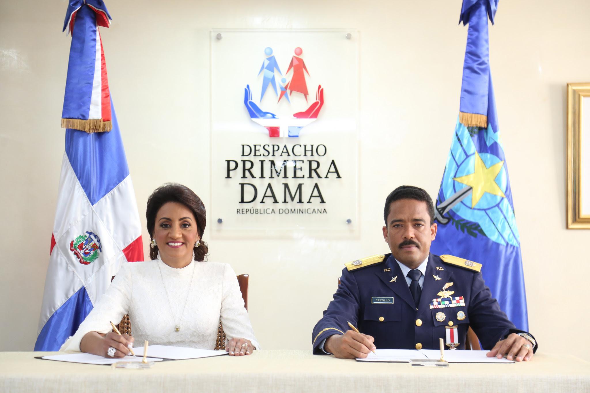 , En beneficio de la población, Despacho Primera Dama y CESAC firman convenio