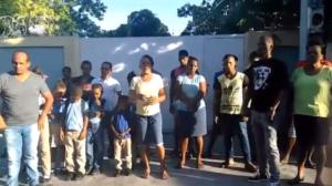 , Por falta de nombramientos empleados de escuela paralizan docencia de manera indefinida en Cabral.