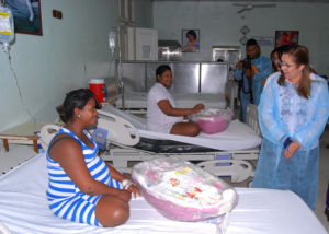 , Plan Social entrega canastillas en Maternidad Nuestra Señora de La Altagracia