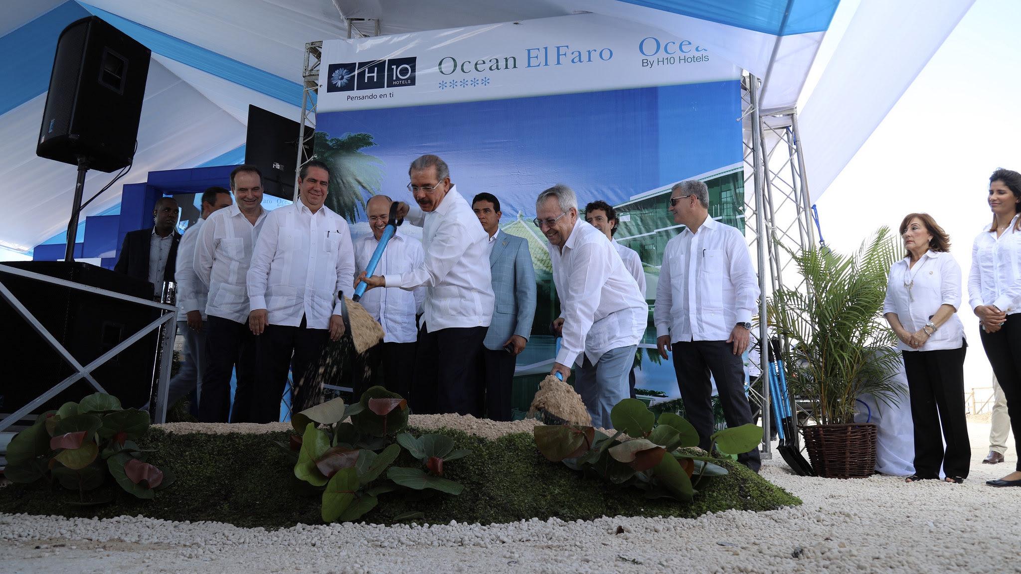 , Más empleos y desarrollo del turismo en el Este: Danilo asiste a primer palazo Hotel Ocean El Faro