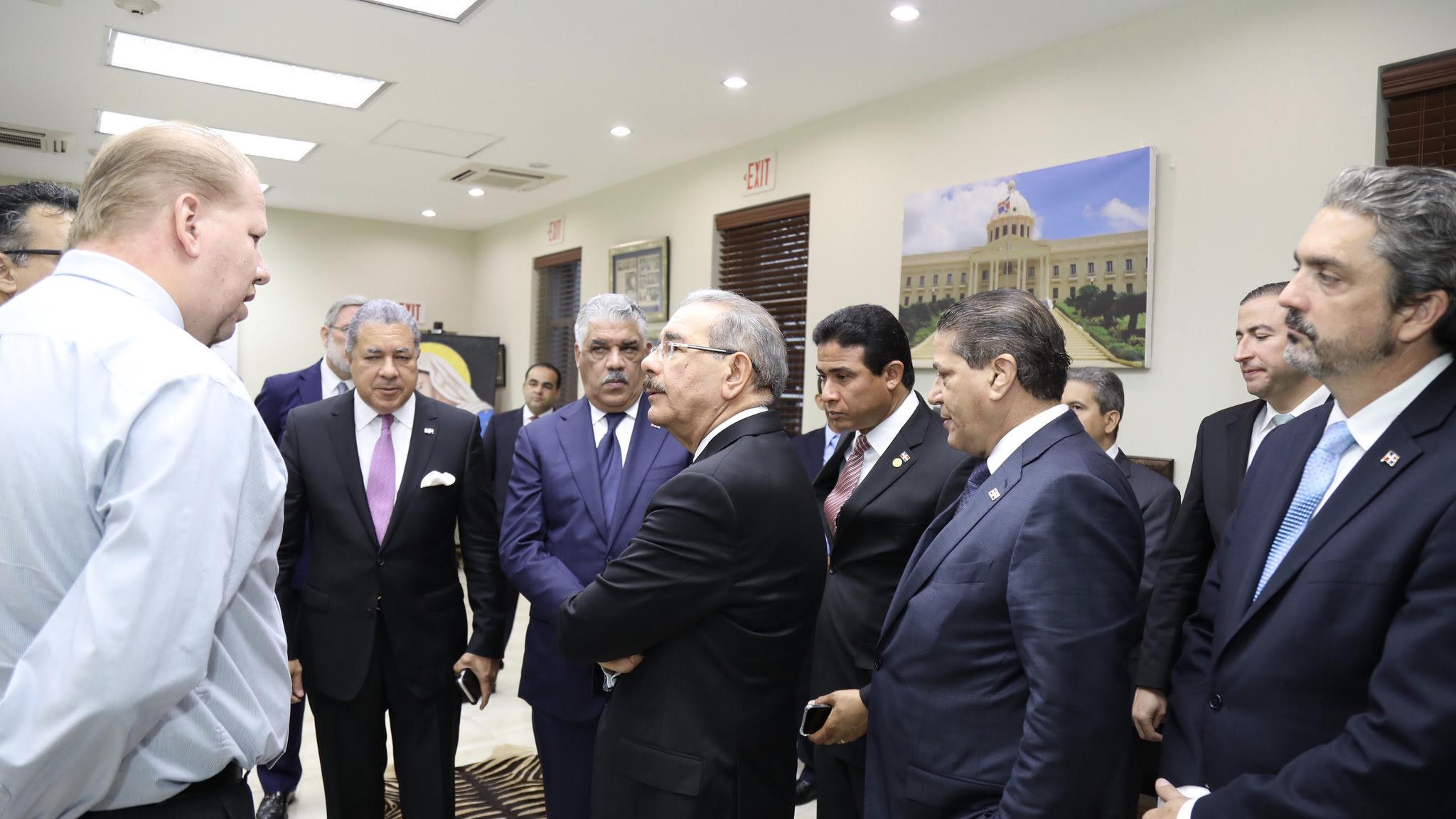 , Danilo se reúne con empresarios dominicanos en Jamaica. Agenda continúa este martes en Montego Bay