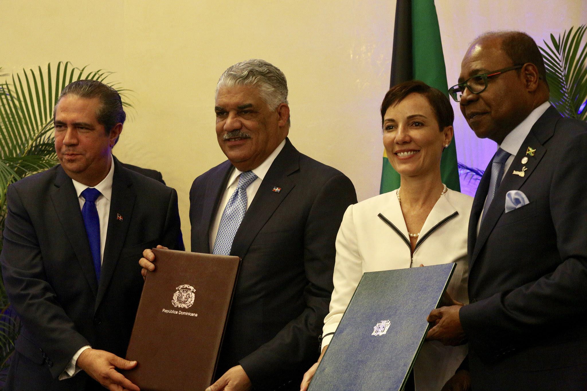 , República Dominicana y Jamaica firman Acuerdo de Cooperación de Turismo Multi-destino