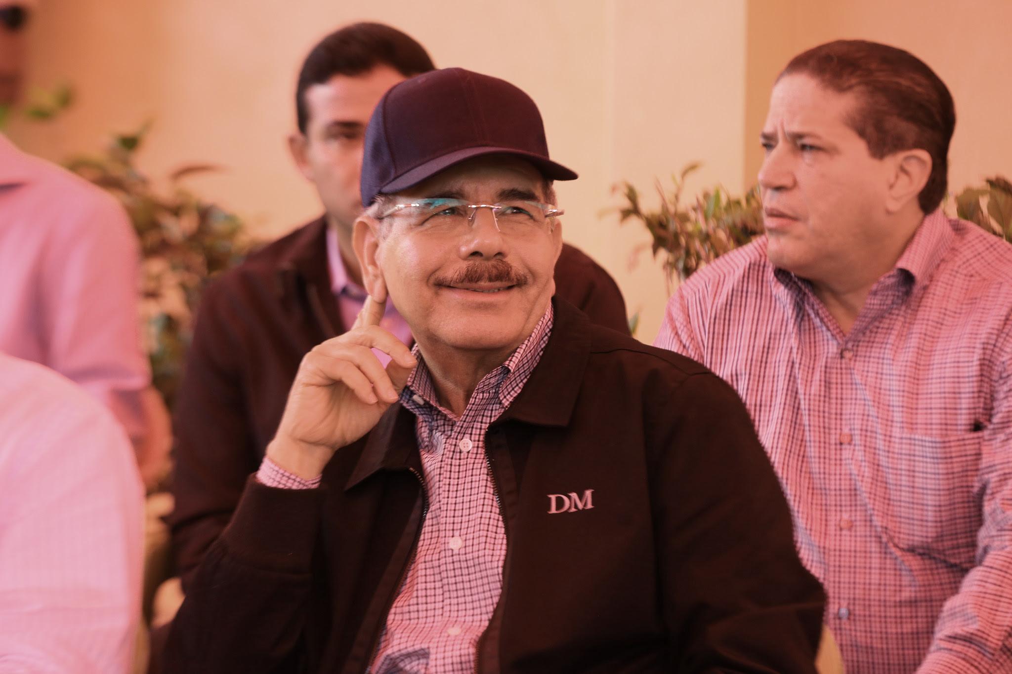 , Medina visita por tercera ocación proyectos agroforestales; Danilo exige velocidad en integración y siembra