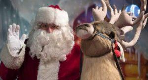 , Apedrean a un Santa Claus que se quedó sin caramelos