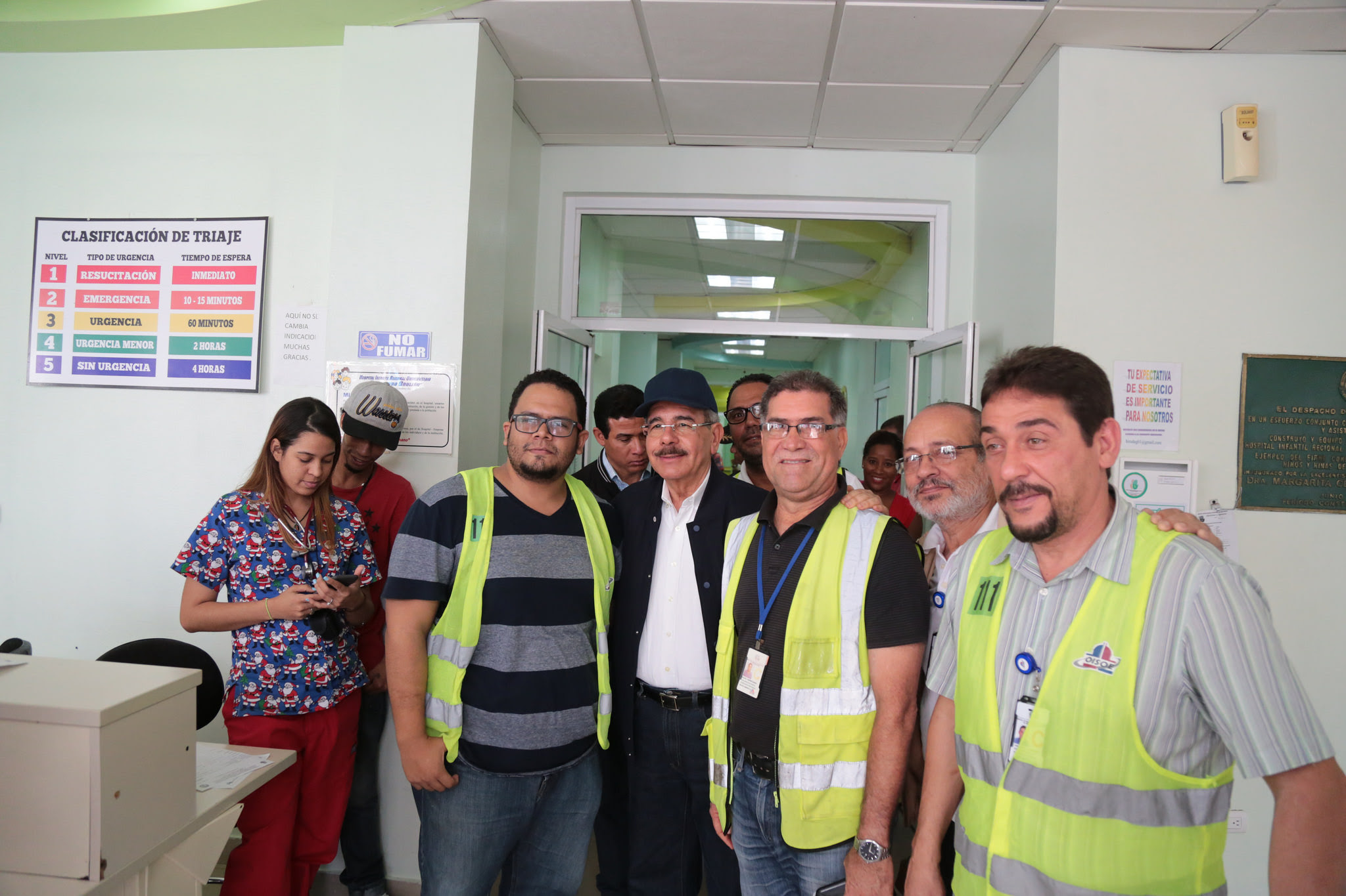 , Danilo supervisa avances hospitales José María Cabral y Arturo Grullón y Morillo King