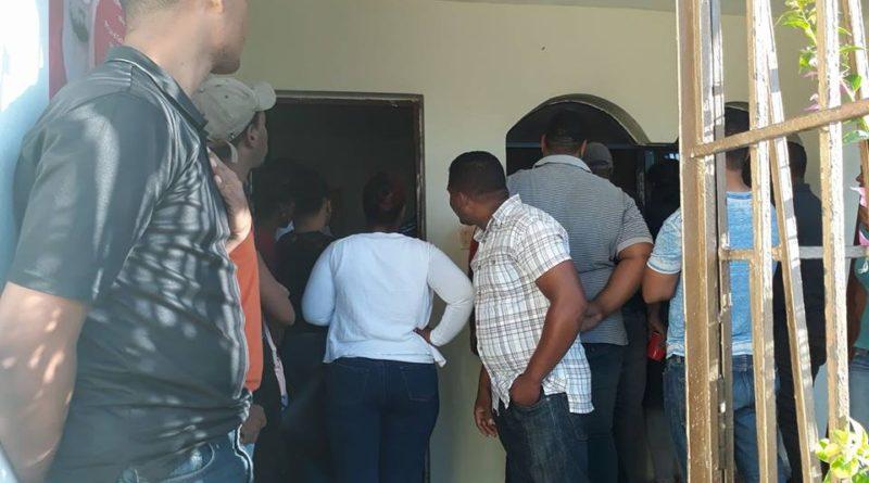 Ocupan gobernación en demanda de hospital San Bartolomé
