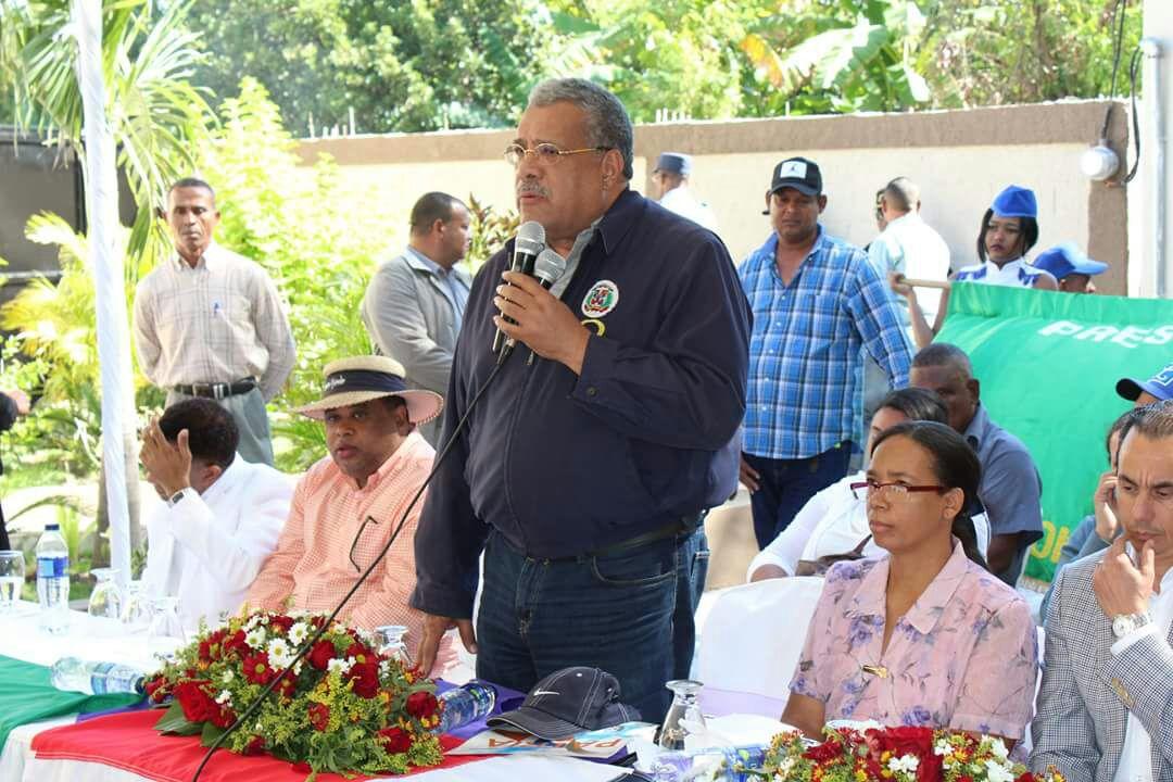 , Procesadoras de Guaconejo operan de forma ilegal en Cabral, dice Luis El Gallo