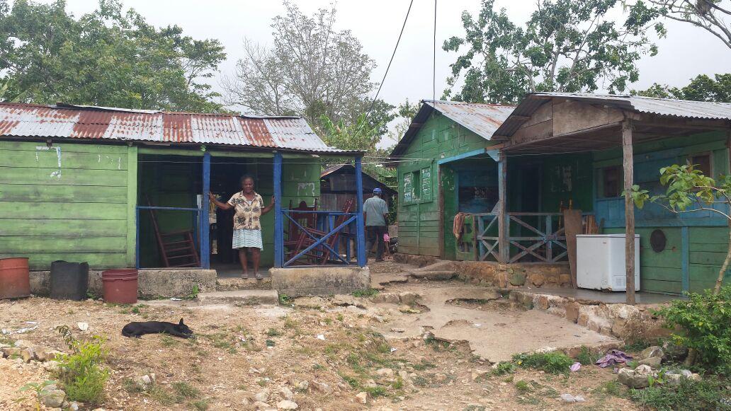 , En los Lirios de Polo piden alcaldesa y gobernador enviar camiones de agua para mitigar sequía