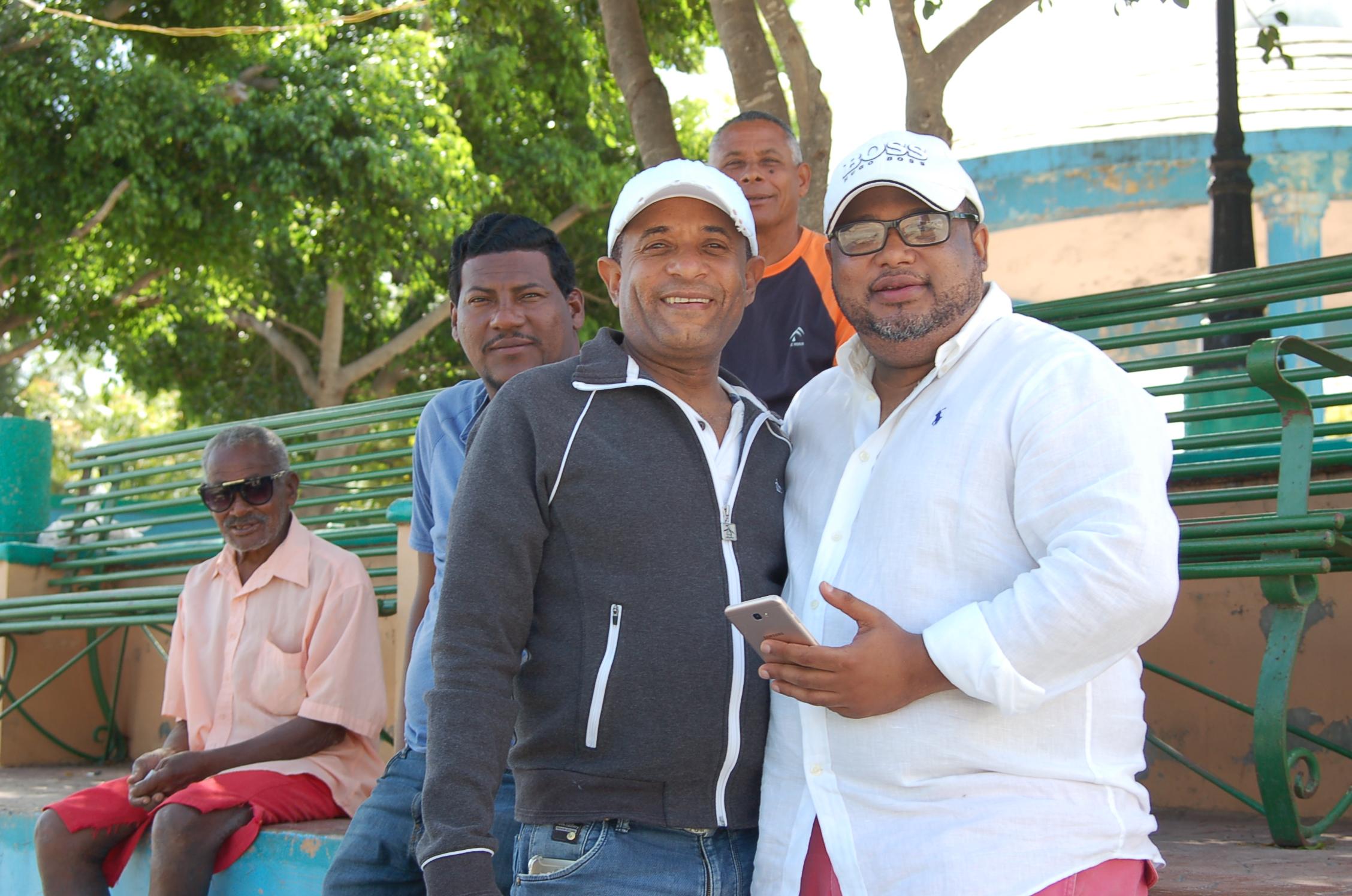 , Alexis Banca instala red Wifi abierto en áreas de recreación en Cabral