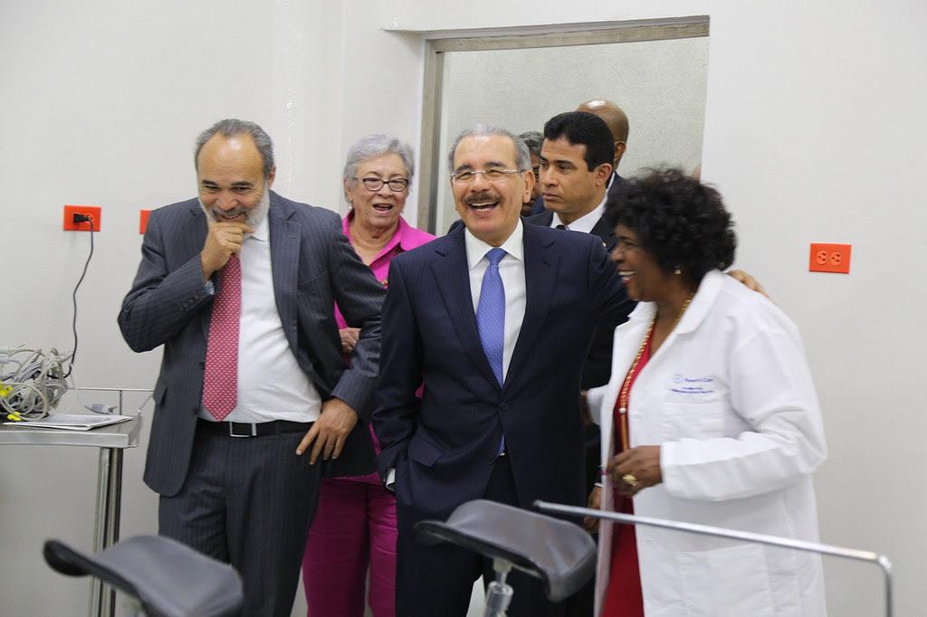 , Danilo Medina entrega hospital remozado y equipado en Polo