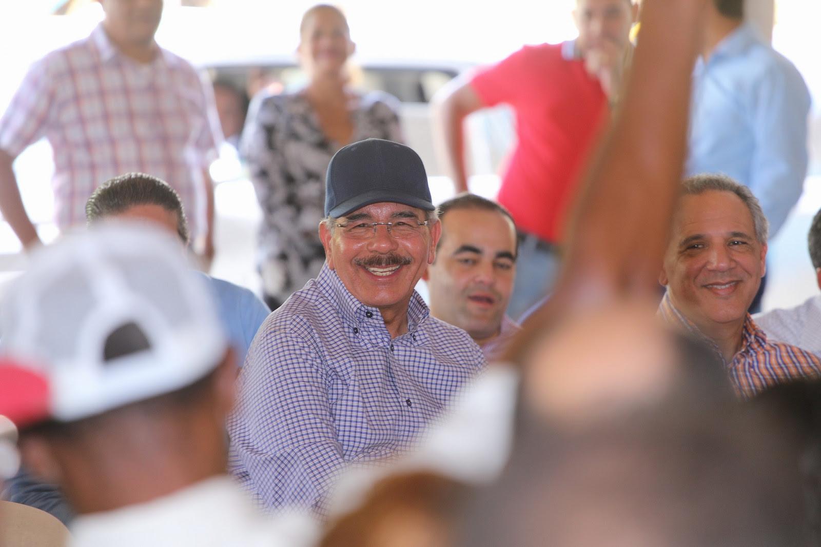 , Danilo sigue visitando productores del país