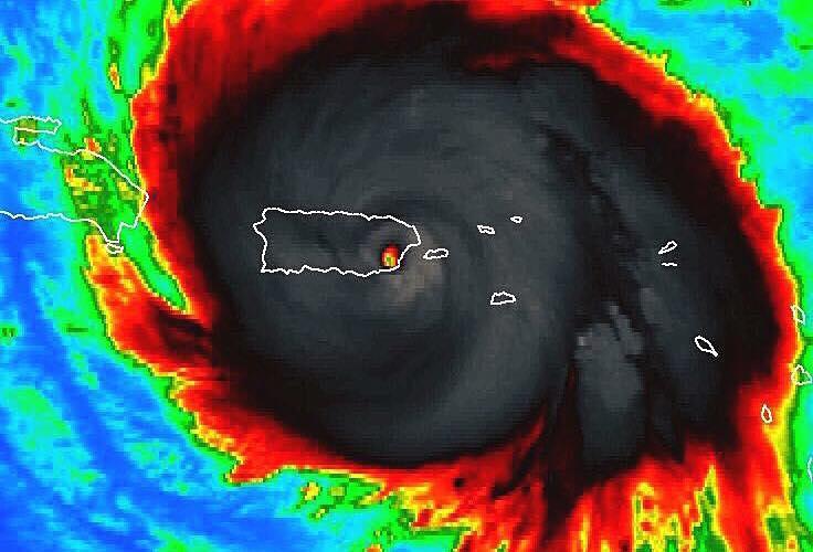 , El Centro Nacional de Huracanes en Miami realiza informe final sobre Huracán Maria