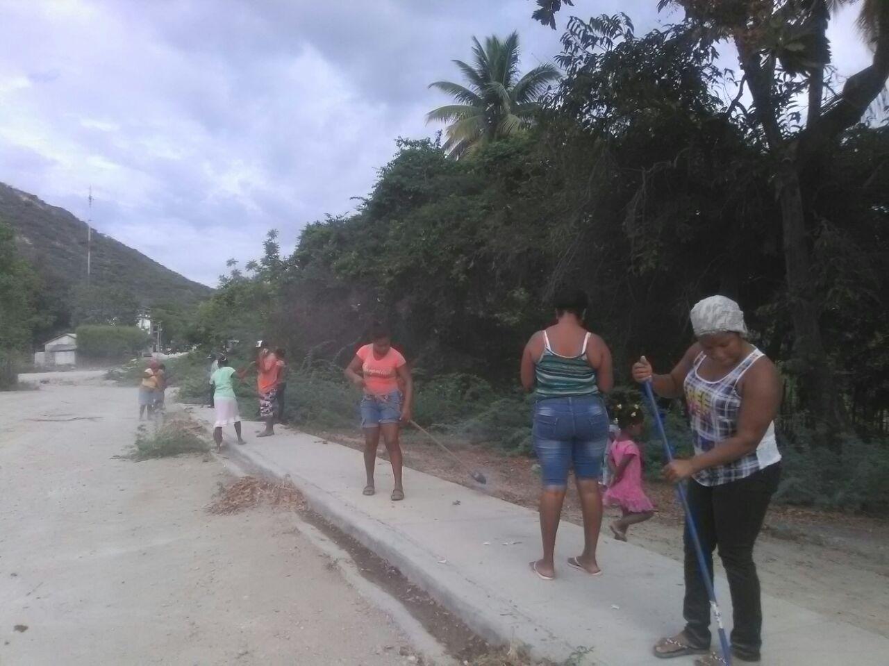 , Cemex Dominicana realiza operativo de limpieza en Boquerón Las Salinas