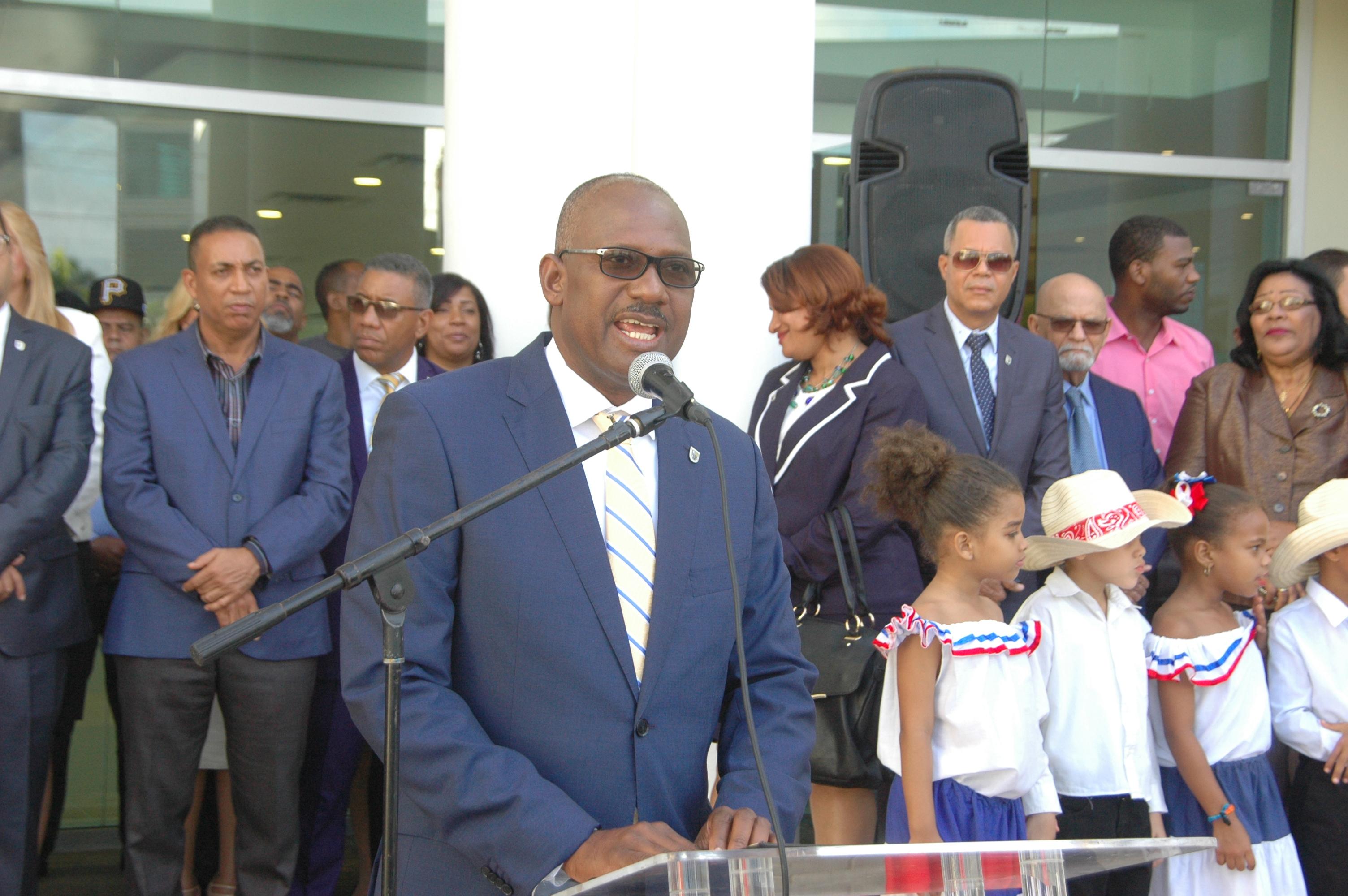 , Alcalde Alfredo Martínez aboga por modificación de ley que rige los cabildos