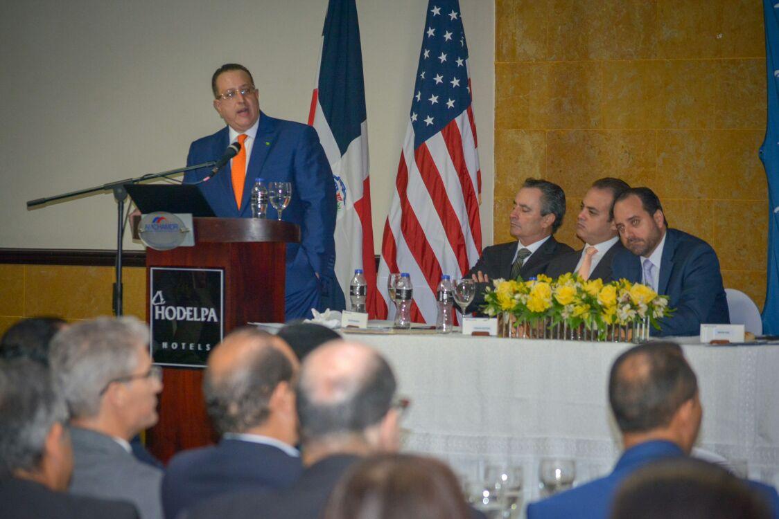 , DGII presenta a empresarios de Santiago avances en la aplicación de normativas anti lavado de activos