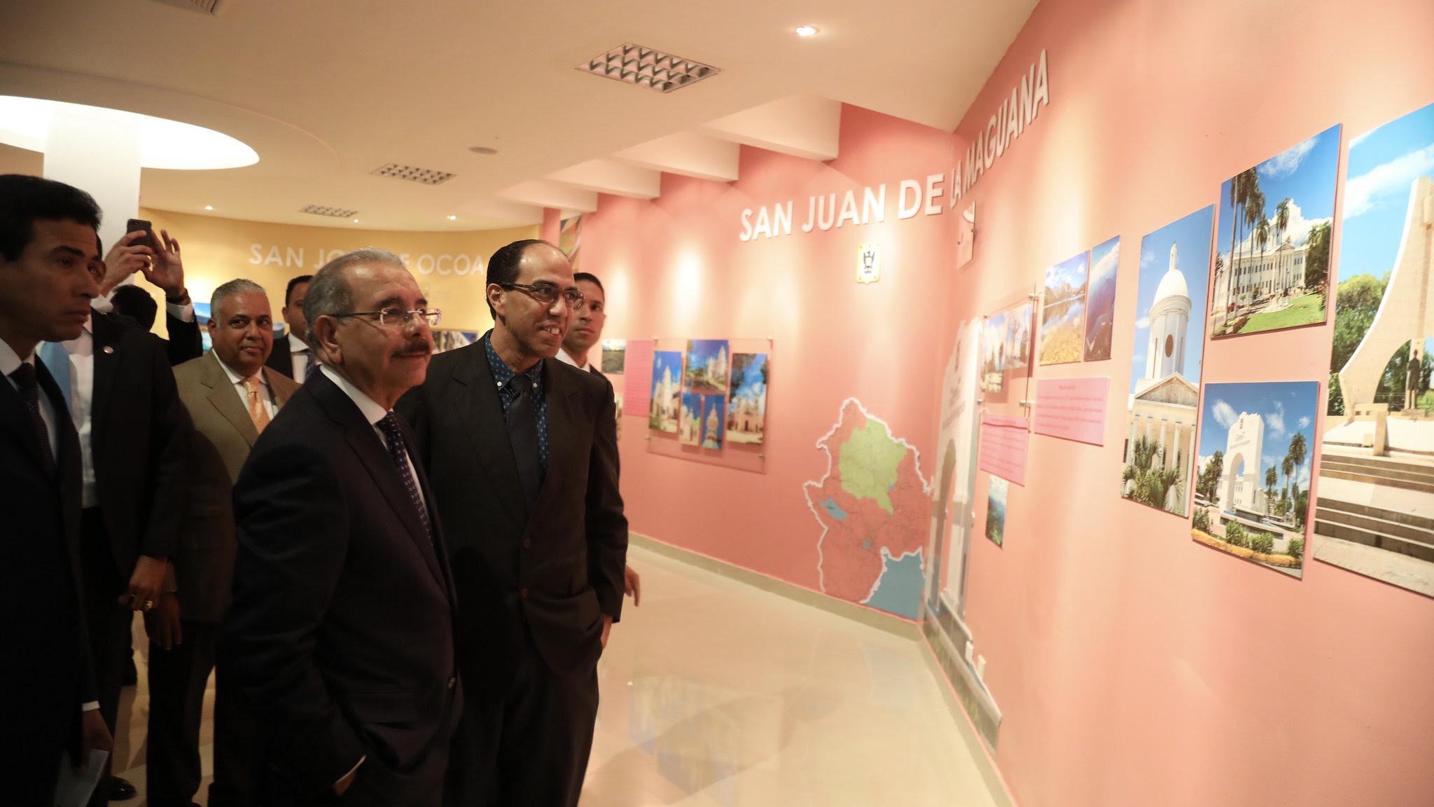 , En Santiago, Danilo Medina asiste a inauguración Centro Convenciones y Cultura Dominicana UTESA