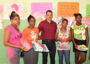 , Alex Gómez  realiza fiesta por Día de las Madres en Cabral