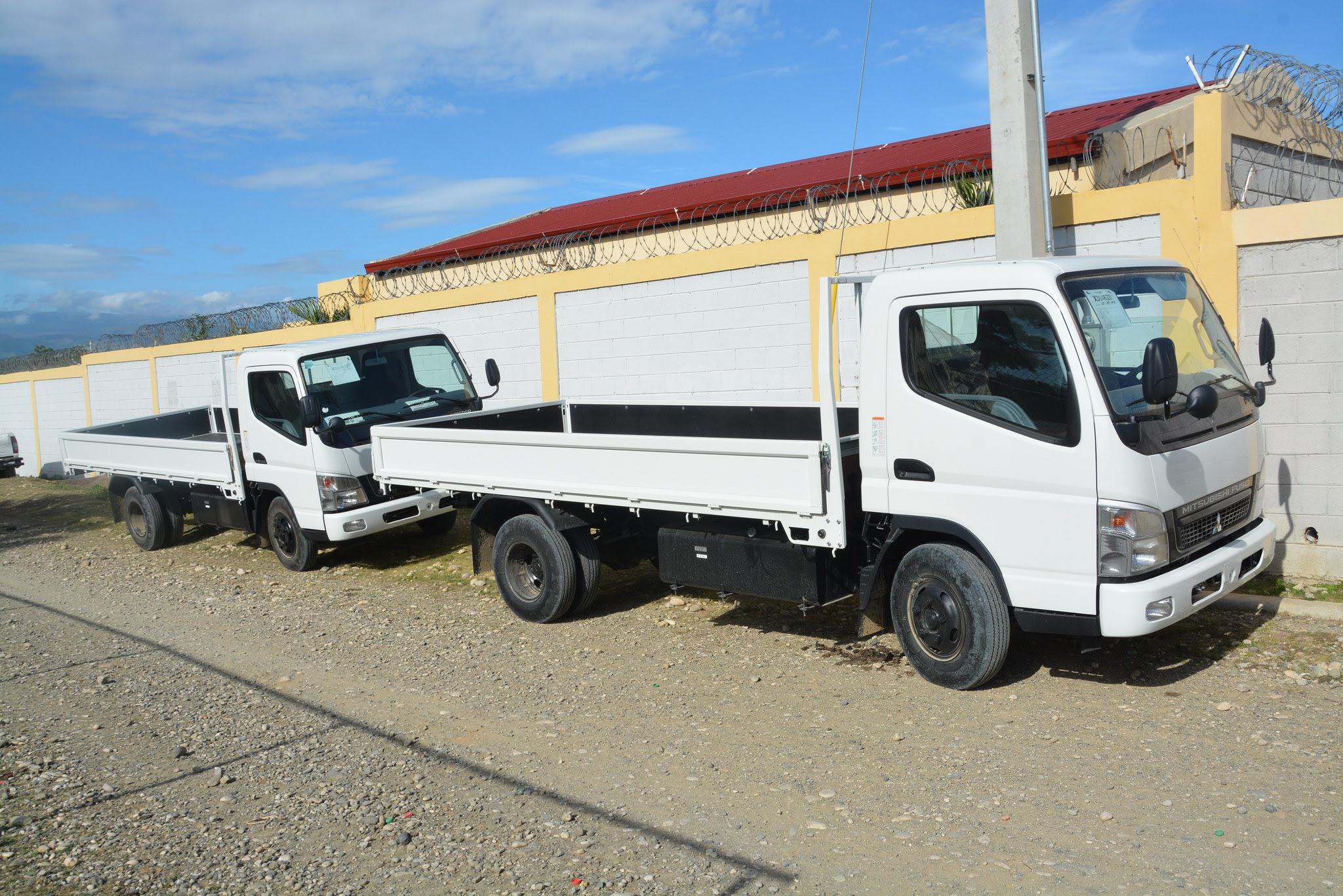 , Productores de Elías Piña reciben dos camiones prometidos por Danilo Medina en Visitas Sorpresa