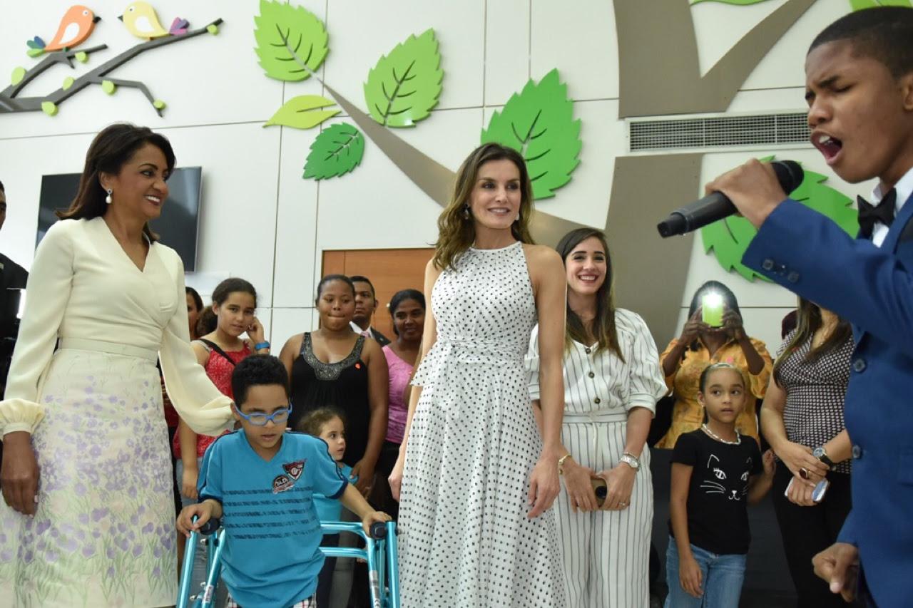 """, Reina Letizia recibe explicaciones de primera dama Cándida Montilla sobre funcionamiento CAID: """"Gracias por un trabajo adorable"""""""