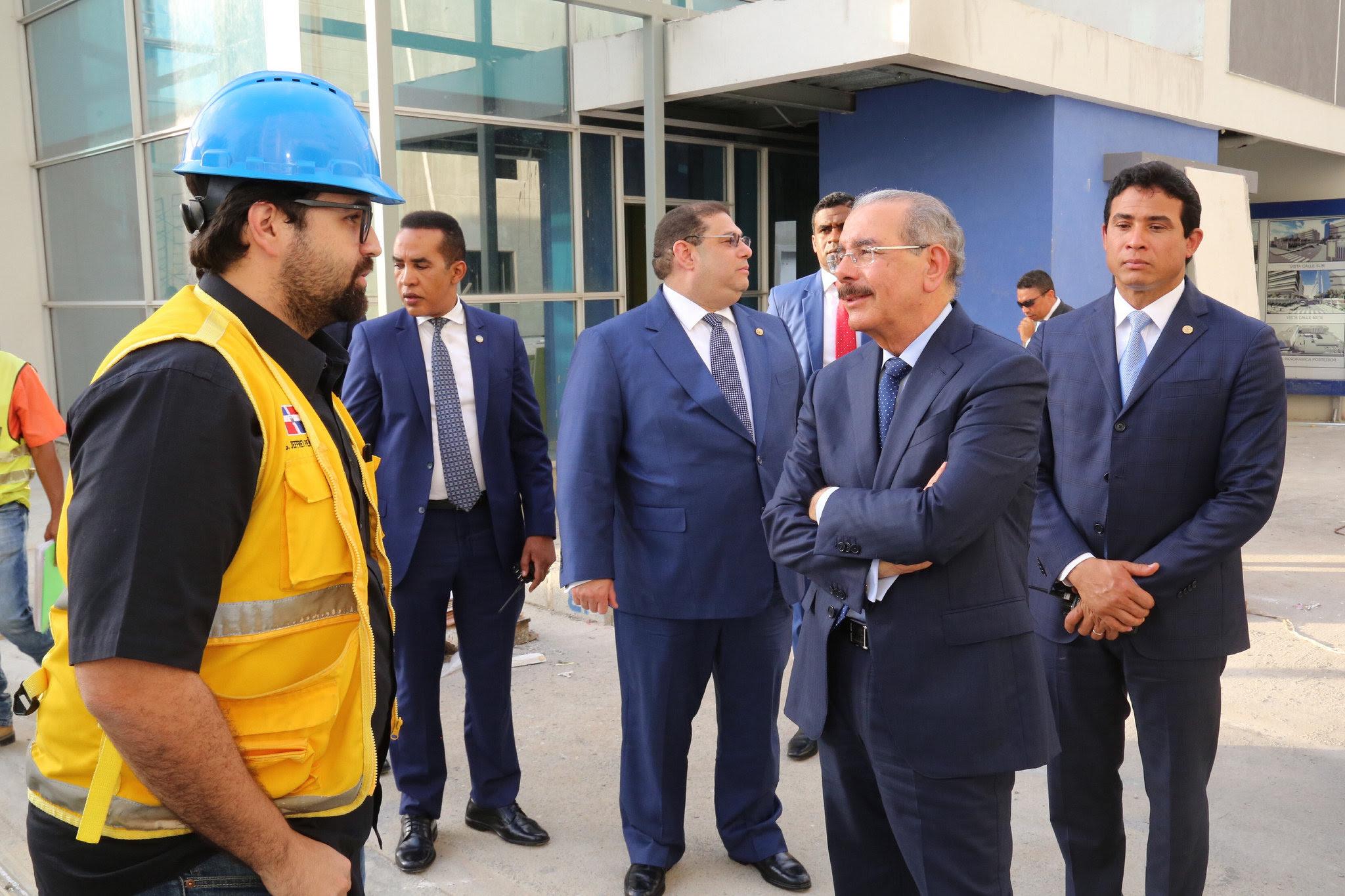 , Tras entregar Teleférico de Santo Domingo, Danilo Medina realiza Visita Sorpresa de seguimiento a Ciudad Sanitaria Luis Eduardo Aybar